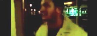 """[VÍDEO] Así se chulea el facineroso musulmán tras violar a una joven """"virgen"""" alemana ¡junto con otros 6!"""