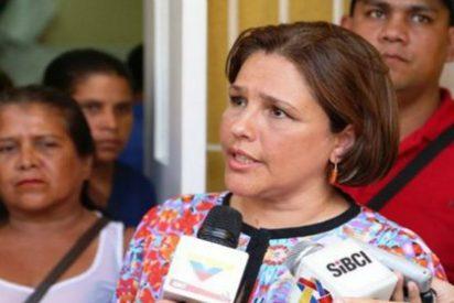 """La venezolana ministra de Salud: """"No hay pasta dental porque la gente se cepilla tres veces al día"""""""
