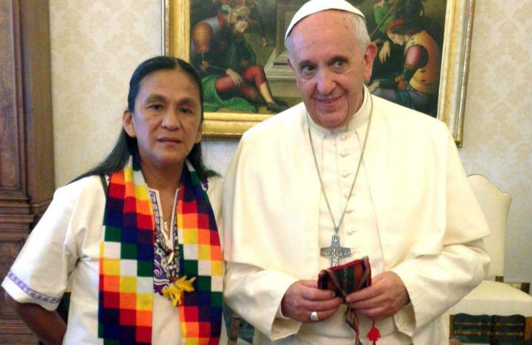 El Papa le envió un rosario a Milagros Sala