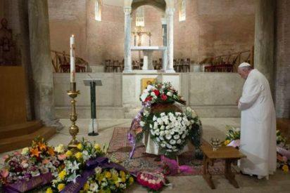 El Papa acude al funeral de la recepcionista de Santa Marta