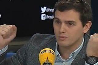 Rivera pone de los nervios a los podemitas diciendo que está negociando entrar en gobierno con el PSOE