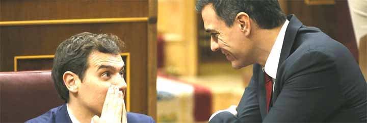 El acróbata Rivera coquetea con Sánchez mientras el PSOE le monta otro cordón sanitario al PP