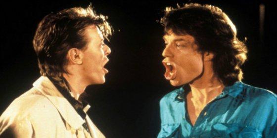 El trío sexual de David Bowie con Mick Jagger y una famosa en un ropero