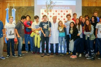 Seis alumnos madrileños entregan al Papa las propuestas de Scholas