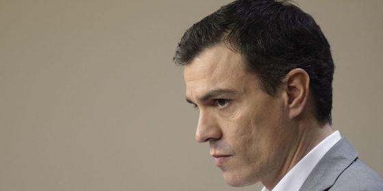 Sánchez dice haber pactado con Rivera derogar la reforma laboral, pero el texto no lo contempla