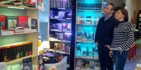 La Librería Puerta de Tannhäuser de Plasencia acoge una exposición literario-fotográfica