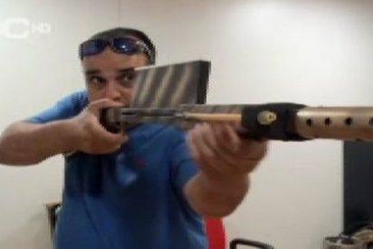 Se le cae el pelo al youtuber andaluz que enseña a fabricar armas letales