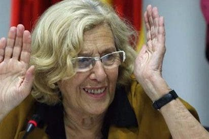 Carmena no olvida sus hipotecas con Pedro Sánchez y 'traiciona' a medias a Pablo Iglesias