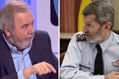 Dios nos pille confesados si Sánchez le da Defensa al 'hippy' de Podemos