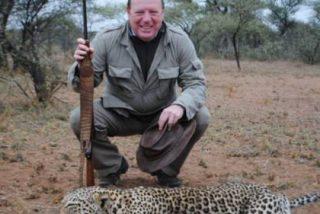 Frank Cuesta y medio Twitter aplastan a César Cadaval (Los Morancos) por sus fotos de safari con guepardos muertos