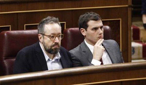 "Albert Rivera: ""Pocos votantes entenderán esa pinza extraña entre Podemos y PP"""