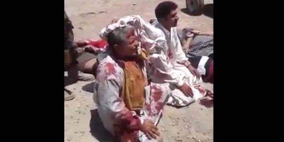 La ejecución de los cobardes yihadistas del ISIS acribillándoles hasta el culo