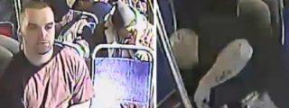 [VÍDEO] Salvado de una sobredosis tras inyectarse heroína en pleno bus