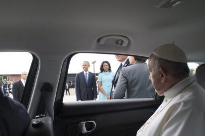 Nueva York subasta el coche usado por el Papa