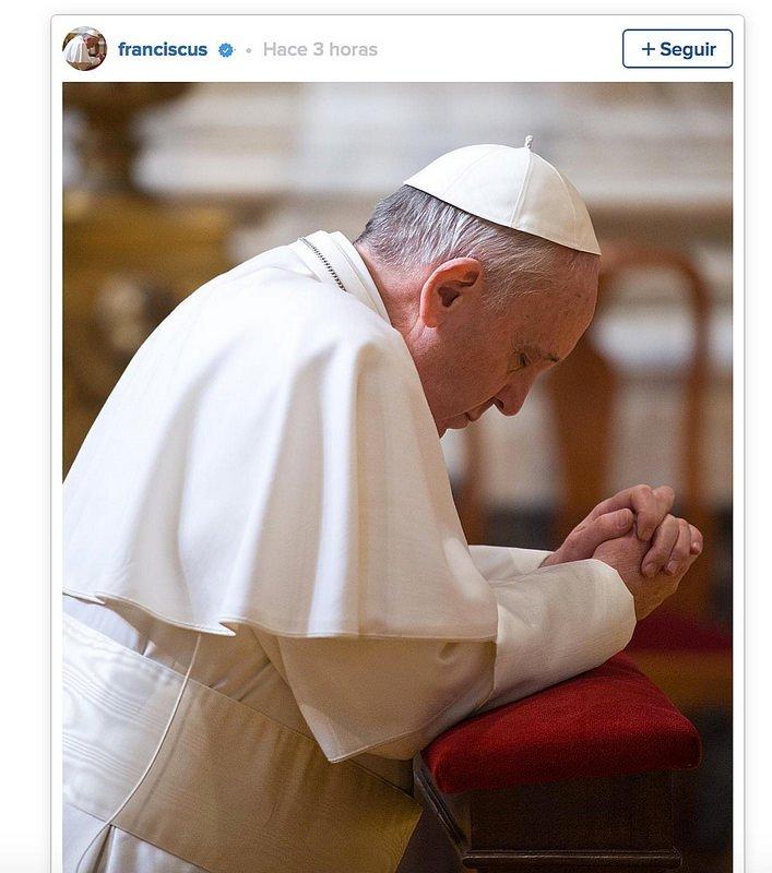 """El papa Francisco aterriza en Instagram con un mensaje: """"Rezad por mí"""""""
