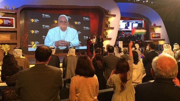 El Papa anuncia que la mejor maestra del mundo es una mujer palestina