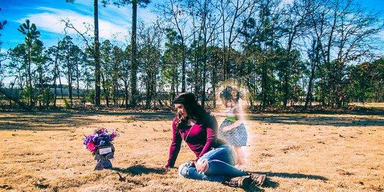 El escalofriante montaje fotográfico de la madre que asesinó a su hija