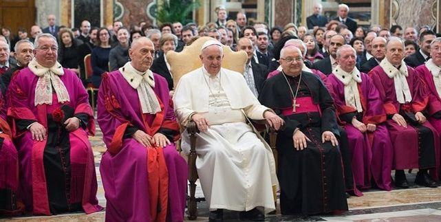 La Santa Sede cuenta con sus propias leyes para juzgar y condenar a pederastas, cómplices y encubridores
