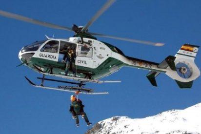 Ex presos de ETA atascados en la nieve piden ayuda a la Guardia Civil para que les rescate