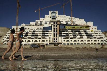El Gobierno de España y Junta de Andalucia pagarán al alimón el derribo de El Algarrobico