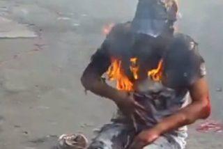 Así queman vivo al malandro por robar un bus en la desenfrenada Venezuela