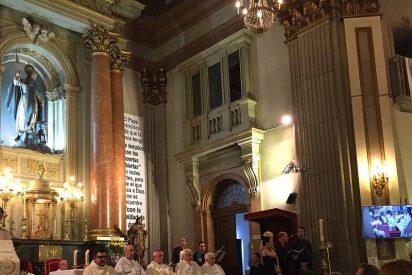 Mensajeros de la Paz organiza la Semana Santa de los sintecho en la iglesia de San Antón