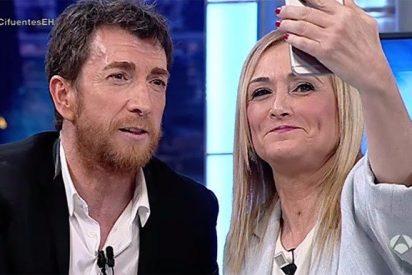 Cristina Cifuentes noquea a Motos con un SMS de Rajoy y desata la fiebre bailonga de Eduardo Inda
