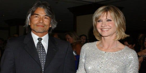 Olivia Newton-John creía que su novio estaba muerto... pero vivía en México
