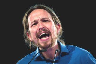 Cifuentes casi le provoca otro 'cólico político' a Iglesias dándole un corte de guante blanco