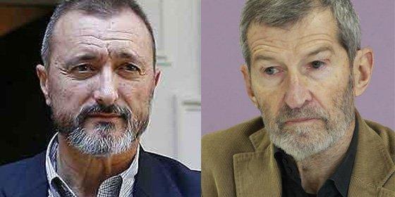 """Pérez-Reverte deja hecho unos zorros al ex-JEMAD podemita: """"¿También vende Occidente al ISIS las piedras para lapidar adúlteras?"""
