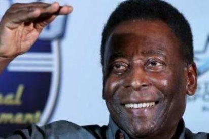 """Pelé demanda a Samsung por utilizar la foto de un hombre """"muy similar"""" a él en un anuncio"""