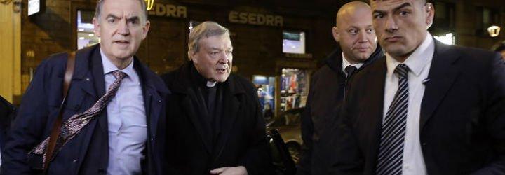 """Pell cree que fue una """"coincidencia desastrosa"""" que cinco curas abusaran de niños en su diócesis"""