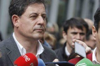 La juez imputa seis nuevos delitos al líder del PSOE gallego Gómez Besteiro