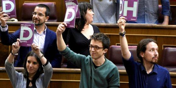 Podemos logra el apoyo del 'mendicante' PSOE para su ley de Emergencia Social