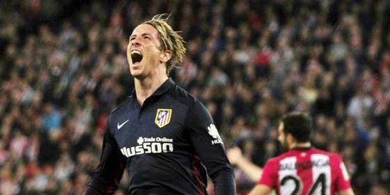 Fernando Torres marca en Bilbao y el Atlético de Madrid sigue con el aliento en la nuca del Barça