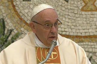 """Francisco: """"La persecución y los sufrimientos son parte del testimonio cristiano"""""""