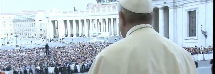 """Francisco clama por una misericordia """"que nunca puede dejarnos tranquilos"""""""