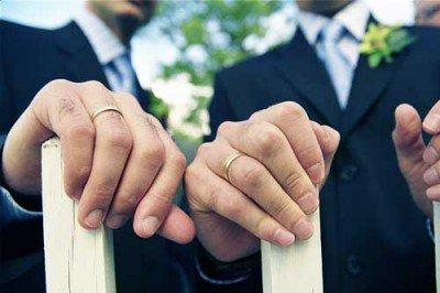 La Iglesia evangélica de Berlín casda parejas homosexuales a partir de julio