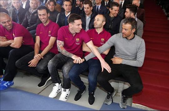 A la foto de Luis Enrique y Messi le sobra estilismo y le falta sinceridad
