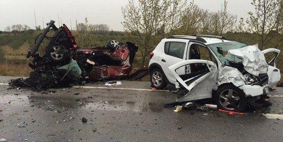 Siete personas, todas de nacionalidad extranjera, mueren en un choque de dos coches en Gerona