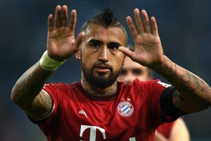 El piscinazo de Vidal que avergüenza a Alemania, abochorna a Guardiola y tizna al Bayern