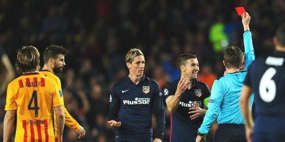 Al Atlético de Madrid también le atraca un árbitro del Barça en el Camp Nou