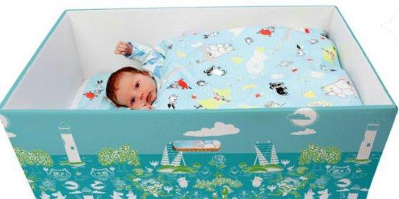 ¿Por qué hay cada vez más bebés durmiendo en cajas de cartón en todo el mundo?