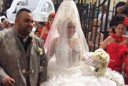 Parece una cabalgata de Reyes, pero es una boda gitana por las calles de La Línea