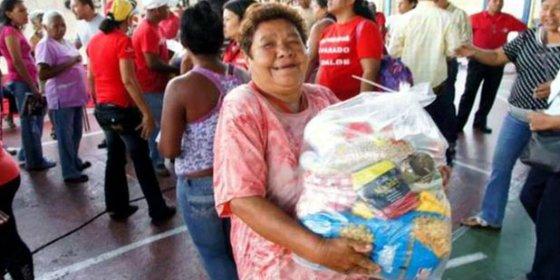 ¡Vomitivo chantaje chavista! Bolsas con comida a cambio de apoyo político