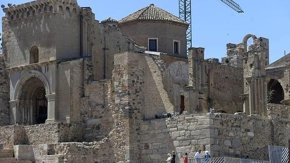 """El alcalde pide al obispo que """"recupere el culto en la catedral de Cartagena"""""""