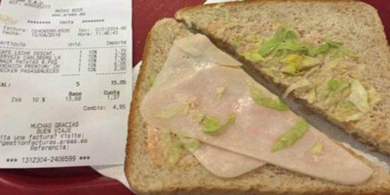 Pide un 'sándwich premium' y le sirven una loncha de chóped por 6 euros