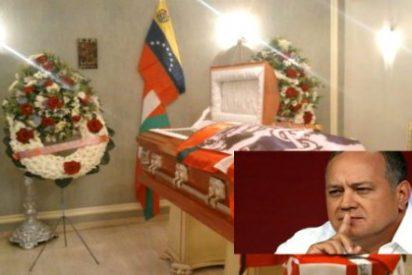 El funeral chavista al etarra 'Angelín' que resucita el hacha y la serpiente