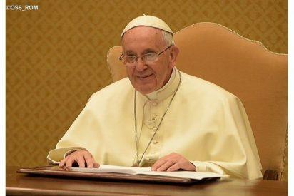 """Papa: """"Una vida sin Cristo es como un móvil sin cobertura"""""""