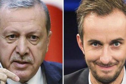 """Merkel cede ante Erdogan y permitirá el juicio al humorista que le llamó """"follacabras"""""""